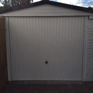Garador Carlton Retractable Garage Door in White